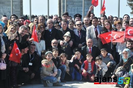 Ekşioğlu Vakfı'ndan Çanakkale Şehitliğine 2 bin kişi ile çıkarma