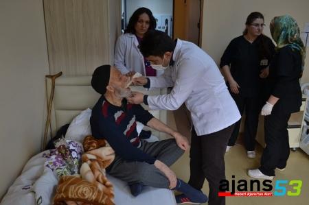 Fındıklı Huzurevindeki yaşlılara ağız ve diş taraması