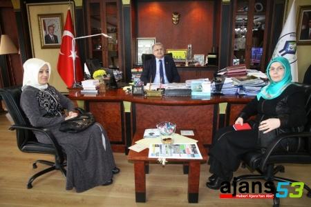 Ak Partili Hanımlar Başkan Kasap'ı  ziyaret etti