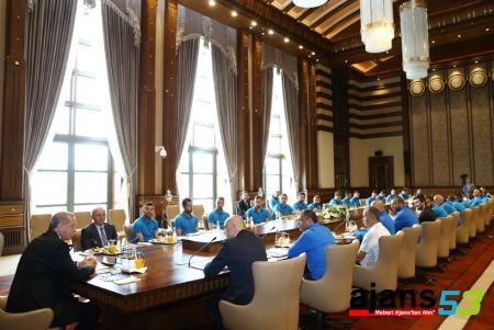 Cumhurbaşkanı Erdoğan, Çaykur Rizespor Futbol Takımı'nı Kabul Etti