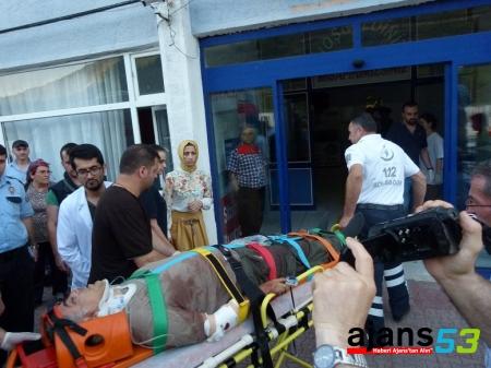 Turistleri taşıyan minibüs devrildi: 1 ölü, 8 yaralı
