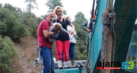 Hopa'da mahsur kalan 100 köylüye ulaşıldı