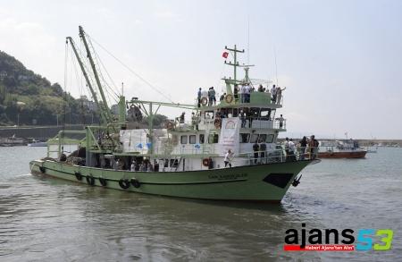 Balıkçılar Törenle Denize Açıldılar