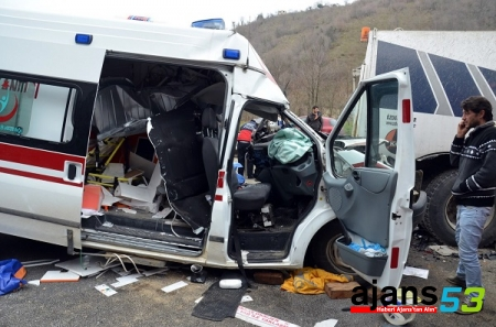 Ambulansı Ölüme Sürdü !..