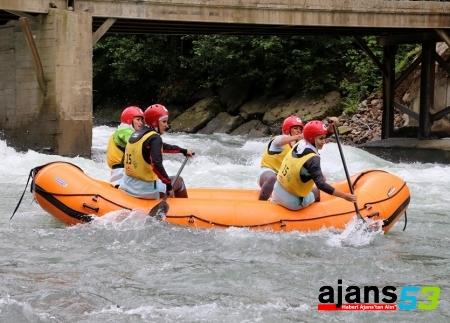 Rize'de Rafting Yaparken Boğuldu
