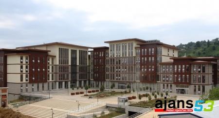 Rize İlahiyat Fakültesi ilk 12'de