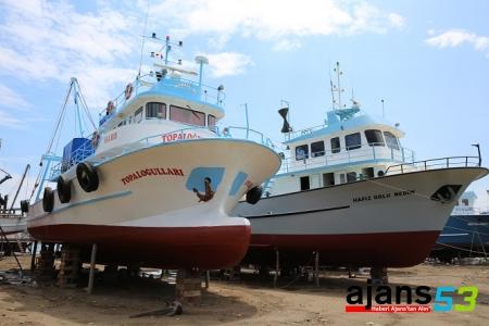 Karadeniz'de Balıkçılar Yeni Sezona Hazırlanıyorlar