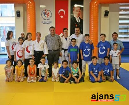 Karal'dan Yaz Spor Okulları'na ziyaret