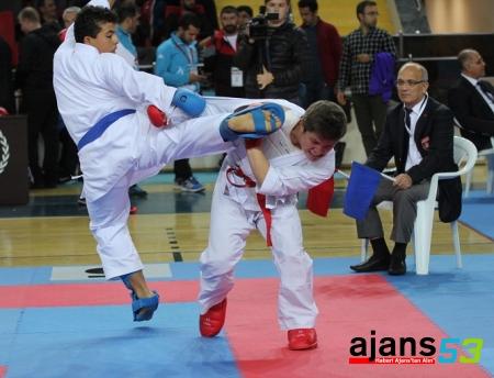 Karate Şampiyonası Rize'de başladı