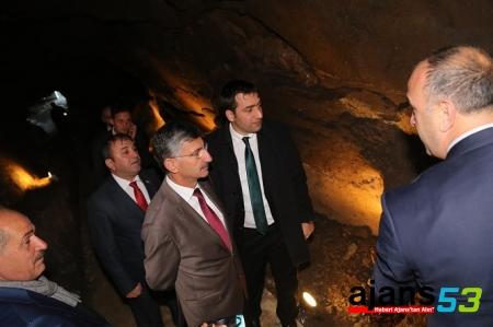 Rize Valisi Bektaş, Pleki Mağarası'nı inceledi