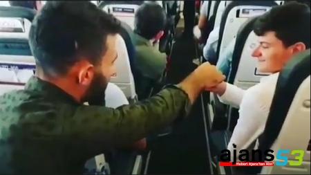 Rizeli Yolcular, Uçakta Pilota 'Dolmuş' Usulü Para Uzattı