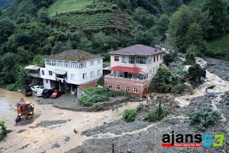 Fındıklı, Ardeşen ve Pazar ilçeleri de yağıştan etkilendi