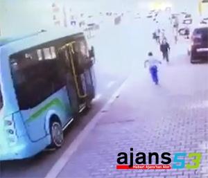 Rize'de Minibüsle Yarışan Çocuğa Kamyon Çarptı